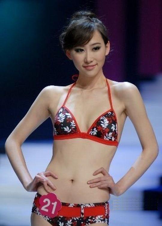 【※画像あり】中国の下着ファッションショー、、こんだけ女居て巨乳ゼロwwwもちろんシコったけどwwwwwwwwwwwwwww・26枚目
