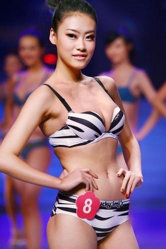 【※画像あり】中国の下着ファッションショー、、こんだけ女居て巨乳ゼロwwwもちろんシコったけどwwwwwwwwwwwwwww・29枚目