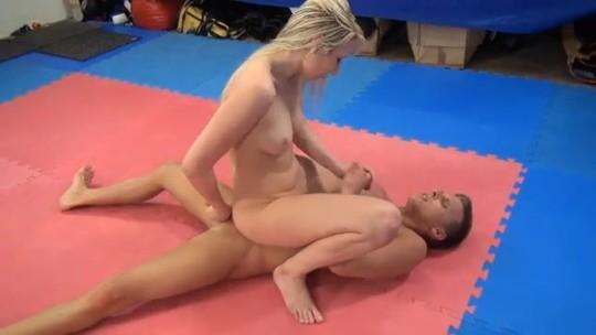 【※万個注意】「ミックスファイト」とかいう男女共闘レスリングをした女性の末路wwwwwwwwwwwwww(画像あり)・21枚目