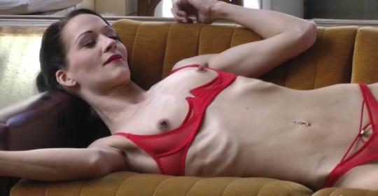【※閲覧注意】拒食症女性ヌード画像スレ → 「これ死んでますわ」「これは死んでますわ」「うん、これは死んでますわ」・25枚目