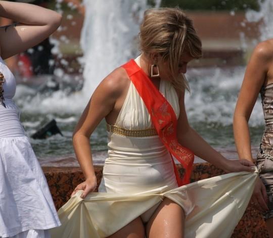 【※ノーガード戦法】外人女性の下半身ガードがガッバガバな感じほんとすこwwwwwwwwwwwwwww・15枚目