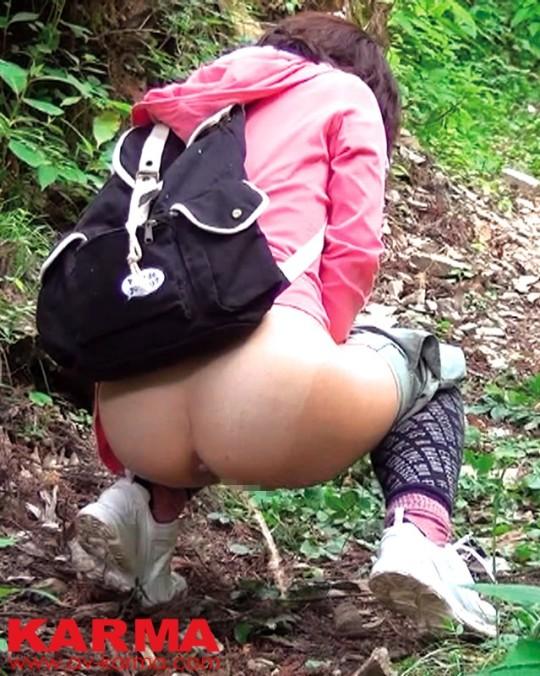 【※画像あり】谷○岳ハイキングコースで尿意が我慢できなくなった山ガールの末路wwwwwwwwwwwww・9枚目