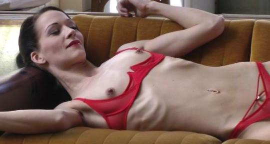 【※閲覧注意】コラレベルに閲覧注意な拒食症女性のエロ画像貼ってく。(画像30枚)・1枚目