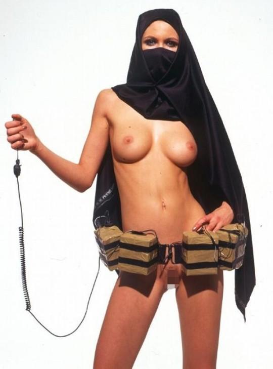 【※不謹慎】中東民族衣装 「ヒジャブ」 のエロ画像が次々と貼られる闇の深い罰当たりスレ。(画像あり)・1枚目