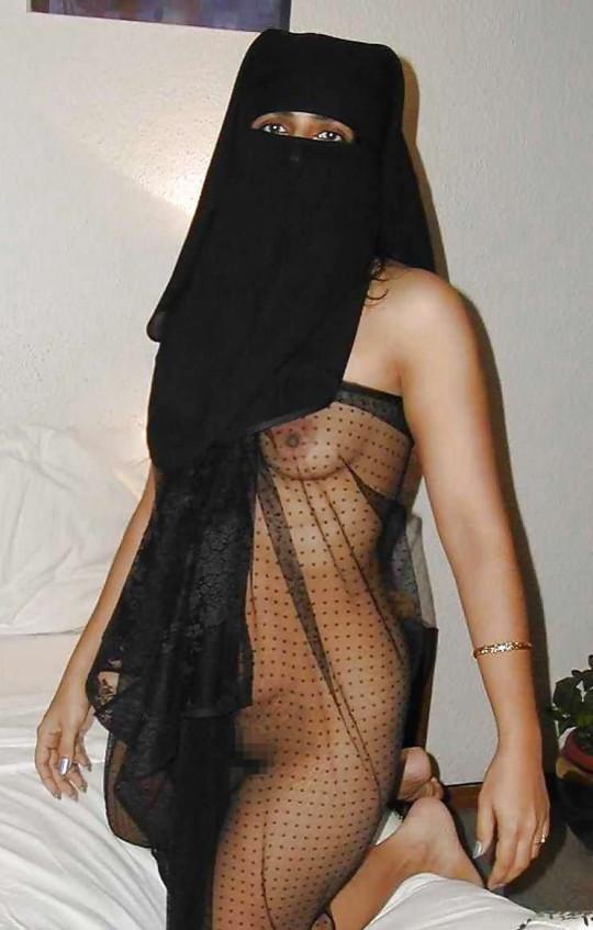 【※不謹慎】中東民族衣装 「ヒジャブ」 のエロ画像が次々と貼られる闇の深い罰当たりスレ。(画像あり)・17枚目