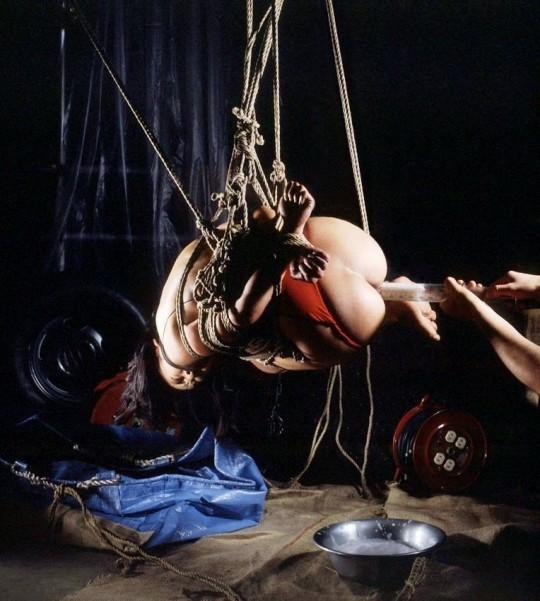 【※こマ?】SM界 「吊るし」 を出来る様になって一人前という風潮wwwwwwwwwwwwwww(画像あり)・4枚目