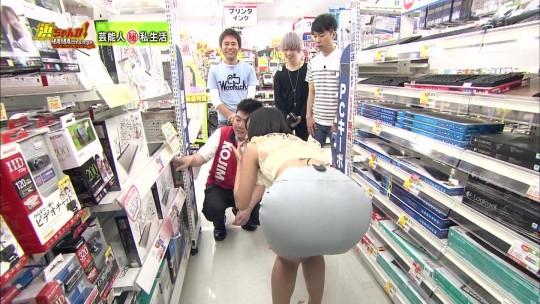 【画像大量】TVで映ったエロ尻キャプ、一番ヌケるハプニング画像貼ったヤツが優勝wwwwwwwwwwwww・21枚目