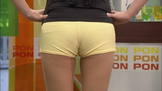 【画像大量】TVで映ったエロ尻キャプ、一番ヌケるハプニング画像貼ったヤツが優勝wwwwwwwwwwwww・23枚目
