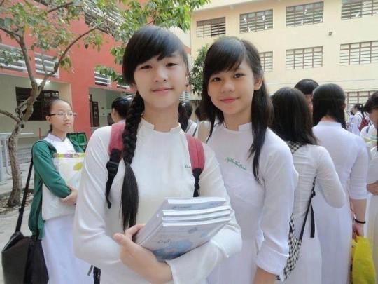 ベトナム民族衣装アオザイ女子の 「狙ってないエロ画像」 が至高杉て辛い。(※画像あり※)・6枚目