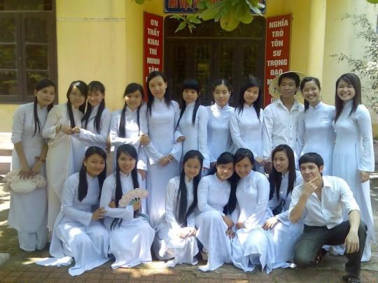 ベトナム民族衣装アオザイ女子の 「狙ってないエロ画像」 が至高杉て辛い。(※画像あり※)・14枚目