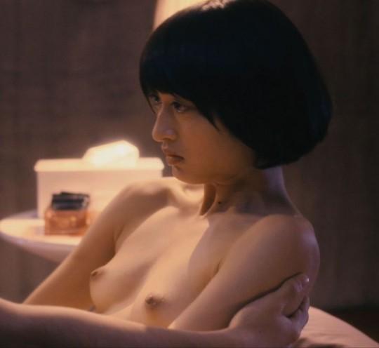 【画像あり】TVの濡れ場キャプを貼って女優のチクビの色を再確認するスレwwwwwwwwwwwwwww・4枚目