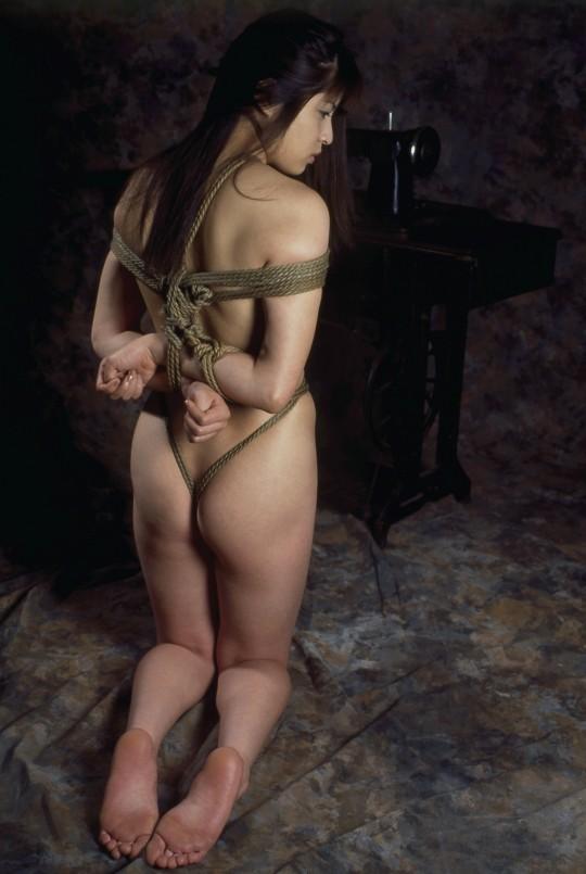 【画像あり】女 の 身 体 の 自 由 を 完 全 に奪 っ た 時 の 征 服 感 は 異 常wwwwwwwwwwwww・11枚目