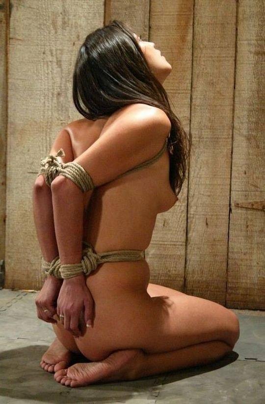 【画像あり】女 の 身 体 の 自 由 を 完 全 に奪 っ た 時 の 征 服 感 は 異 常wwwwwwwwwwwww・18枚目