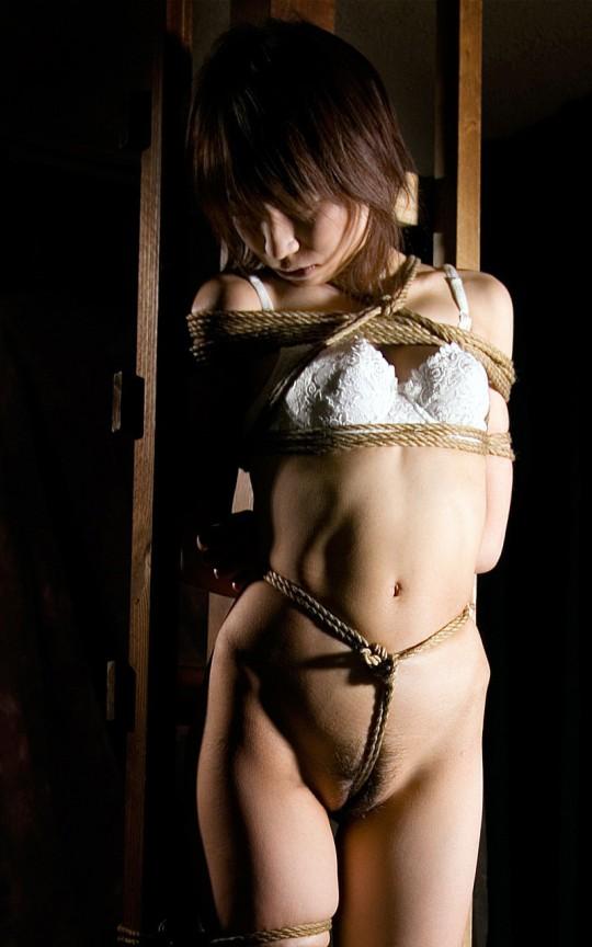 【画像あり】女 の 身 体 の 自 由 を 完 全 に奪 っ た 時 の 征 服 感 は 異 常wwwwwwwwwwwww・19枚目