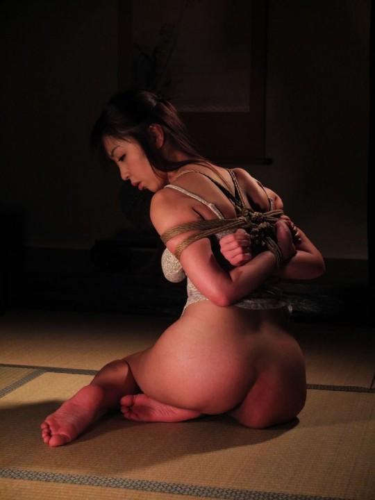 【画像あり】女 の 身 体 の 自 由 を 完 全 に奪 っ た 時 の 征 服 感 は 異 常wwwwwwwwwwwww・25枚目