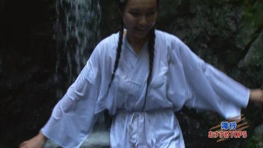 【画像あり】露骨なエロ番組で話題の「ランク王国」の滝行の回がやっぱり当たり回な件について。・9枚目