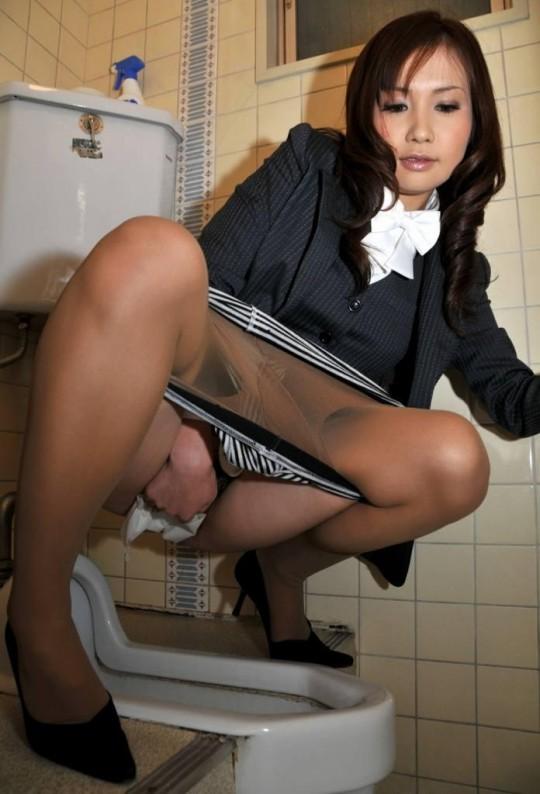 【画像あり】会社のトイレが和式のOLさんのご様子をご覧くださいwwwwwwwwwwwwwwwwwwww・7枚目