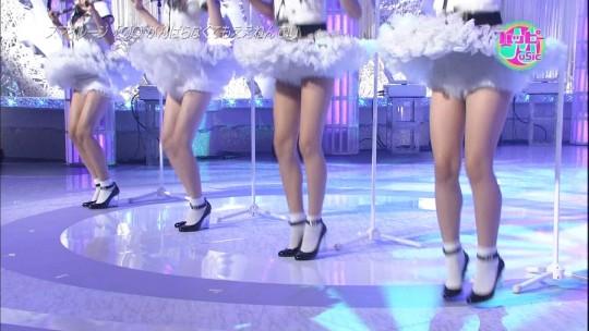 【悲報】最近のアイドルの股間の緩さ、もうヒドイ。。。おまえら、ええのんか・・・(画像28枚)・24枚目