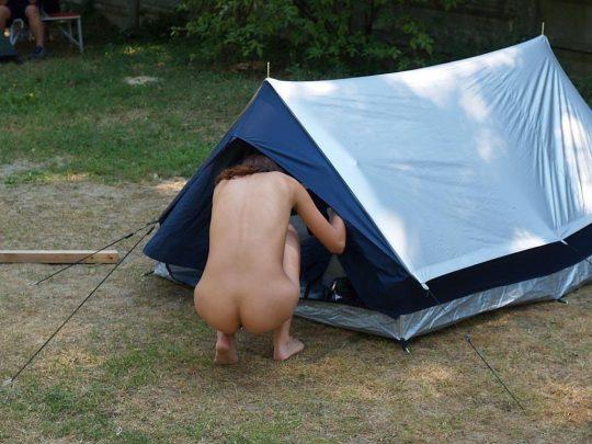 【ファーーー】外国のヌーディストビーチならぬ「ヌーディストキャンプ場」の様子をご覧下さいwwwwwwwwwww・30枚目