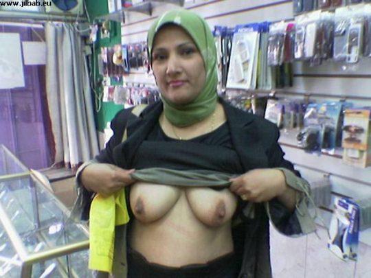 【ムスリム定期】中東の信心深い女性のエロ画像貼ってくwww宗教色強すぎワロタwwwwwwwwwwwwwwwwww(画像あり)・11枚目