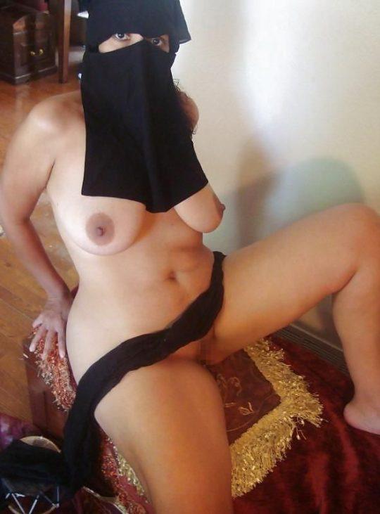 【ムスリム定期】中東の信心深い女性のエロ画像貼ってくwww宗教色強すぎワロタwwwwwwwwwwwwwwwwww(画像あり)・21枚目