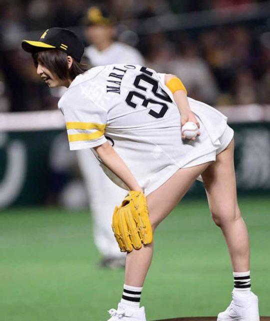 【画像あり】芸能人エロ始球式の画像を集めた結果・・・→ 壇蜜が変態すぎて野球冒涜レベルでワロタwwwwwwwwwwwwwwwwww・27枚目