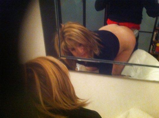 【画像あり】「よっしゃー鏡使ってハメ撮りするでぇ!」 ← こういう陽気でアホな外人、なんか好きwwwwwwwwwwwww・13枚目