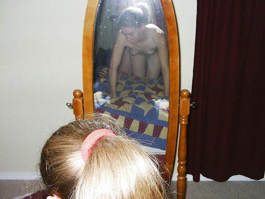 【画像あり】「よっしゃー鏡使ってハメ撮りするでぇ!」 ← こういう陽気でアホな外人、なんか好きwwwwwwwwwwwww・16枚目
