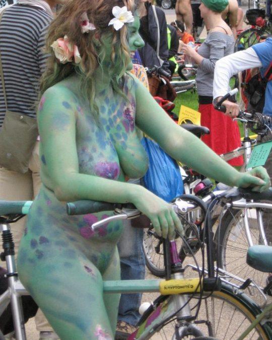 【画像あり】海外のボディペインティング女子(ガチ勢)の裸体をご覧くださいwwwwwwwwwwwwwwwwwwwwwwwww・15枚目