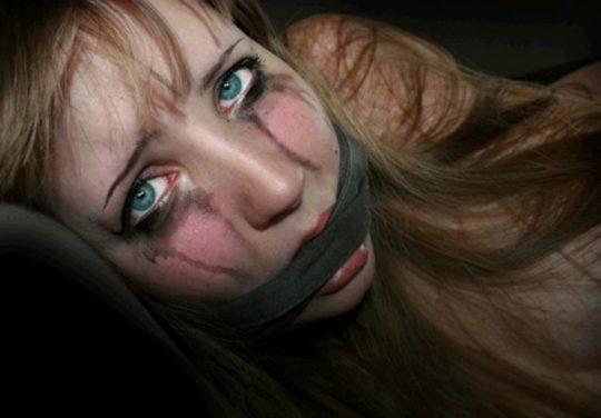 【画像あり】「拉致 拘束 女」でググった結果wwwwwww → 闇が深い画像が多すぎてワロタwwwwwwwwwwwwwww・25枚目