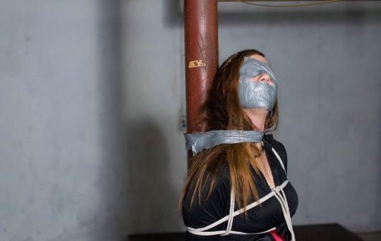 【画像あり】「拉致 拘束 女」でググった結果wwwwwww → 闇が深い画像が多すぎてワロタwwwwwwwwwwwwwww・28枚目