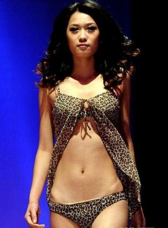 【画像あり】中国の下着ファッションショーの様子をご覧下さいwwwwwwwwwwwwwwwwwwwwwwwwwwww・5枚目