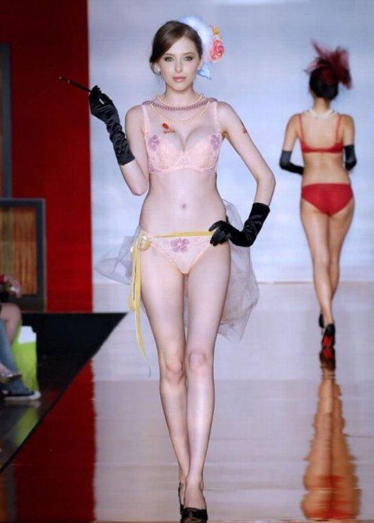 【画像あり】中国の下着ファッションショーの様子をご覧下さいwwwwwwwwwwwwwwwwwwwwwwwwwwww・6枚目