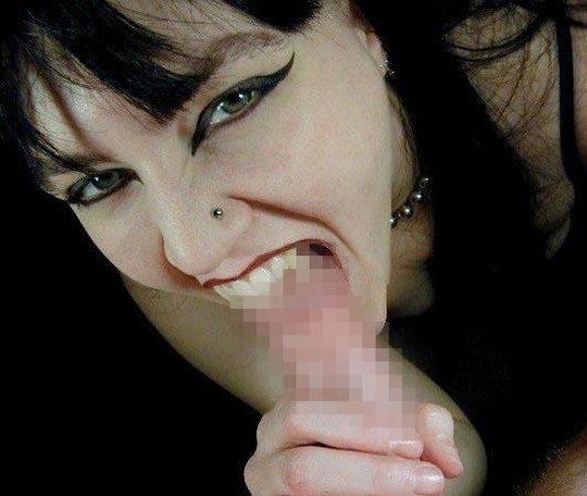 【閲覧注意】外国人の噛み付きフェラ、一線を越えるwwwwwwwwwwwwwwwwwwwwwwwwwwwwwww(画像あり)・16枚目