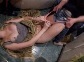 飲み会で酔っ払ってエロい事させられてる女子の画像が晒される…コレってレイプじゃ…