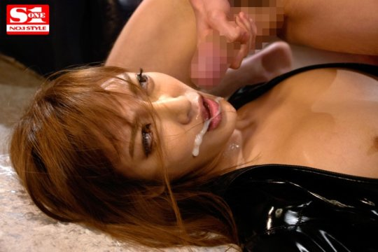 【明日花キララ】アップデートする度に顔が変わるセクシー女優をエロGIFでご覧ください(323枚)・215枚目