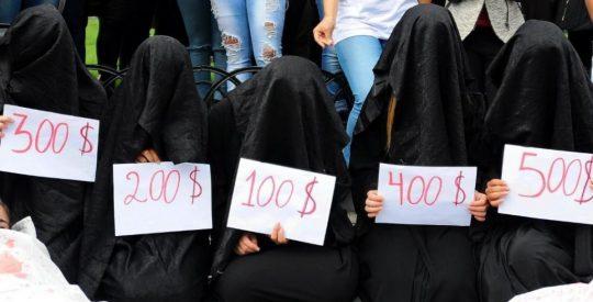 イスラム教の女の子のヌードエロ杉ワロタwwwwwwwwwwwwwww「頭隠してパイ隠さず」「はい処刑」(画像あり)・6枚目