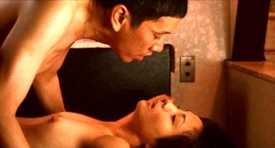 女優の濡れ場おっぱいを並べた結果wwwwww→桐谷美玲だけハプニング乳輪でワロタwwwwwwwwwwwwww(画像あり)・16枚目