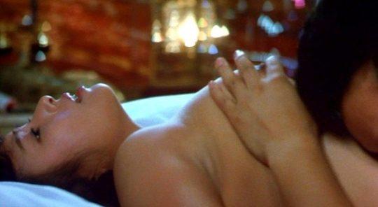女優の濡れ場おっぱいを並べた結果wwwwww→桐谷美玲だけハプニング乳輪でワロタwwwwwwwwwwwwww(画像あり)・27枚目