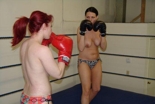 【マジキチ】最近海外で行われてるトップレスボクシング(女)とかいう性競技wwwwwwwwwwwwwwwww(画像あり)・17枚目