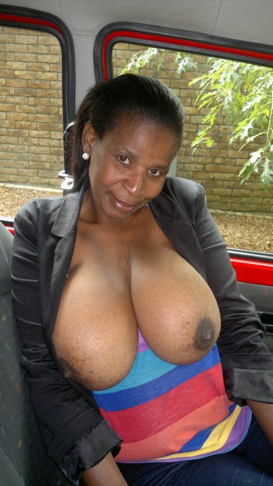 【閲覧注意】ア フ リ カ の 底 辺 売 春 婦 の ご 尊 顔。。。(画像あり)・16枚目