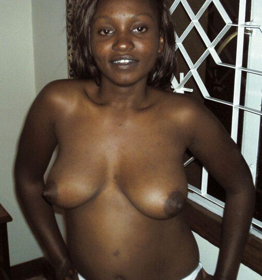 【閲覧注意】ア フ リ カ の 底 辺 売 春 婦 の ご 尊 顔。。。(画像あり)・24枚目