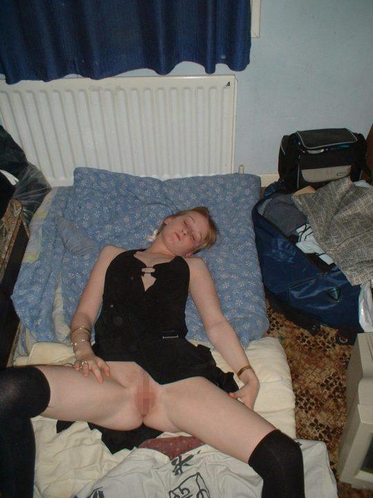 サイコパス「お、セクロス後に彼女裸で寝てるやんけ!写真撮っといたろ!」 → 別れた結果wwwwwwwwwwwwww(画像あり)・2枚目