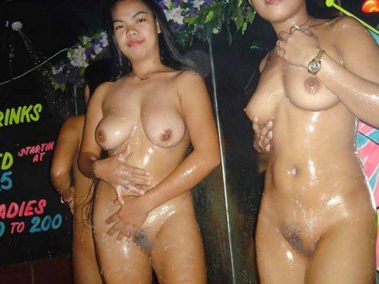 さて皆さん、ここで東南アジアの秘境、ゴーゴーバーの実態をご覧下さいwwwwwwwwwwwwwwwwwwww(画像あり)・17枚目