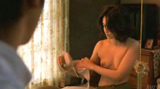 【女優濡れ場画像】川島なお美の乳首ヤバ過ぎwwwwwwwwこれは故人だけどワロタwwwwwwwwwwwwwwww(画像30枚)・24枚目