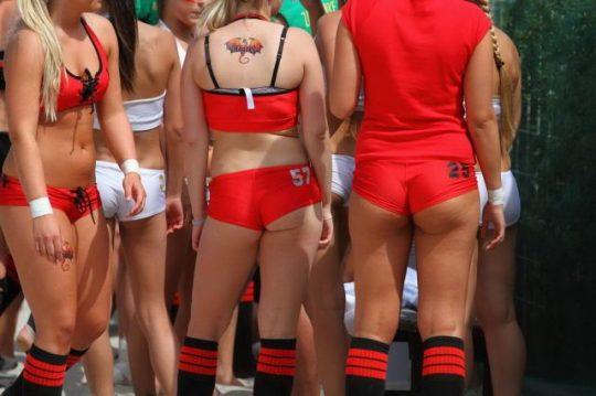 【アスリートエロ画像】「ビーチラグビー」とかいうポロリ、喰い込み連打の新手の性競技wwwwwwwwwwww(画像あり)・9枚目