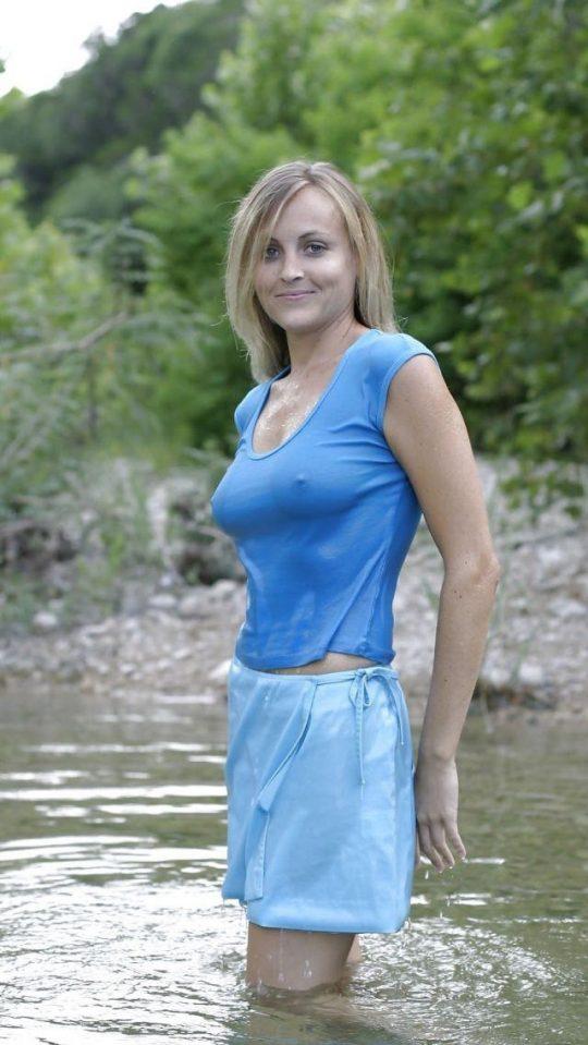 外国人まんさんの濡れシャツおっぱい透け文化、ほんとすこwwwwwwwwwwwwwwwwww(画像あり)・8枚目
