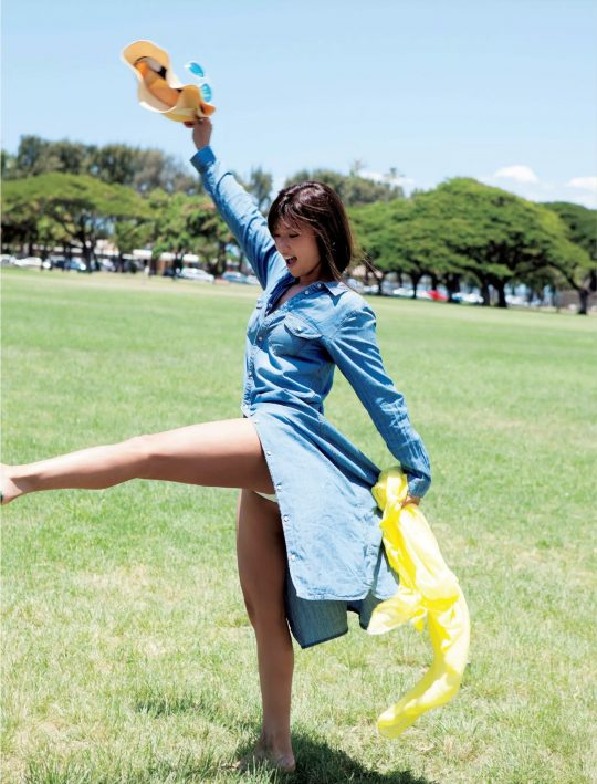 【悲報】深田恭子(34)尻丸出しでまだグラビアを撮り続けるwwww「需要どこにあんねん」「むしろエロくなってて草」(画像あり)・11枚目