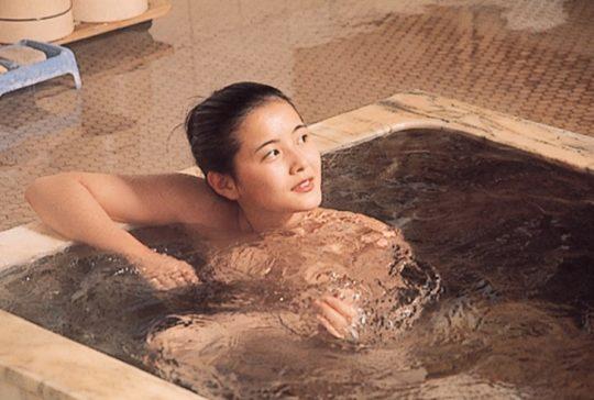 【画像多数】麻田奈美とかいう63才になった元グラドルが即ハボな件www長澤まさみみたいでワロタwwwww・13枚目