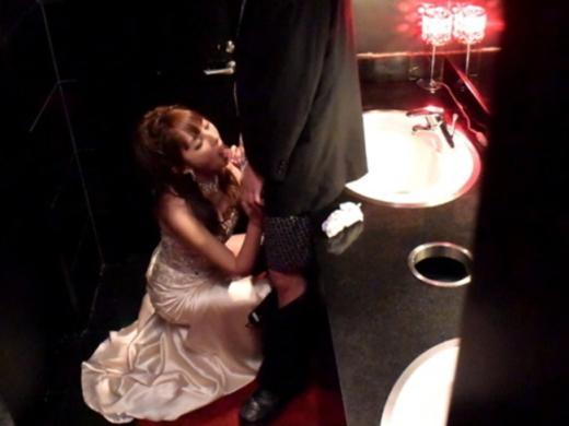 【有能】トイレで性接待するキャバ嬢たち・・・(画像27枚) | エロガゾー・ファクトリー